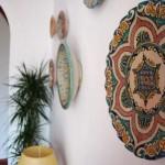 Rompeolas detalle platos pared