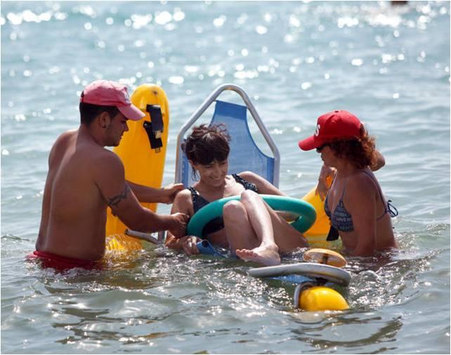 Anfi-buggies en la playa para discapacitados
